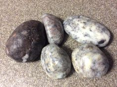 Niña posted beautiful pictures in our Facebook Group, Saponfication Nation of her river rock soaps. I just thought they were adorable and asked her if she would be willing to share her process and write out a quick tutorial. :) She kindly said yes! So here is her tutorial for making river