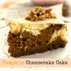 Super Scrumptious Pumpkin Cheesecake Cake - Crafts a la mode Chocolate Turkey, Pumpkin Chocolate Chips, Cheesecake Cake, Pumpkin Cheesecake, Turkey Cheese Ball, Delicious Desserts, Dessert Recipes, Appetizer Recipes, Cake Recipes