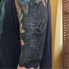 """483 Likes, 8 Comments - Aaron Dear (@adear_tattoo) on Instagram: """"Did some white line roses over a blacked out arm by my good friend @bendaviestattooer on Erika…"""""""