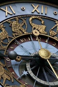 Clock face | Amazing Pictures