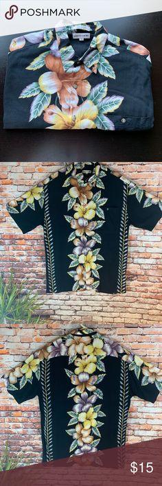 880e1139 Pierre Cardin 100% Rayon Hawaiian Shirt In Large Pierre Cardin 100% Rayon Hawaiian  Shirt