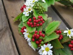 Rustic wedding crown Polymer clay Floral crown Daisy wreath Flower tiara Red bridal headband Red berry Cold porcelain flowers Red wedding