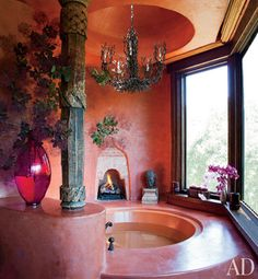 Will and Jada Pinkett Smith at Home in Malibu : Architectural Digest. Suspended above the circular bathtub is a vintage Bruce Eicher chandelier from Dana John. Architectural Digest, Dream Bathrooms, Beautiful Bathrooms, Will Smith And Family, Luxury Bathtub, Pink Bathtub, Bathroom Pink, Modern Bathroom, Small Bathroom