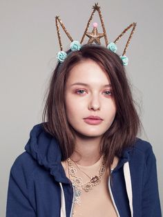 teenagers in tiaras... fun DIY for birthdays