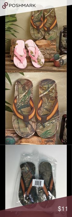 Men's Realtree M Flip Flop Sandals Camouflage camo Men can easily slide into these Northern Trail flip-flops featuring the popular Realtree™ camo pattern. EVA outsole makes them durable and suitable for outdoor wear. Polyester and cotton thong and footbed make them comfortable on your feet.  Green Men's medium 8 - 9 Message us what size you would like  Made with Realtree camo camouflage fabric Details: Polyester and cotton fabric and EVA Realtree  Our warehouse is packed and ready to ship…