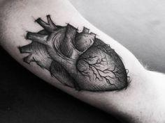 #hearttattoo #carinacaiê #tattoo #tatuagem #tatuaje #dots #dotwork #botanica #pontilhismo #Ink #inktattoo #nomadesdigitais #nômade #vilamadalena #sampa #Brasil