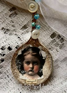 Vintage Spoon ornament. This would be a great way to use an old baby spoon.