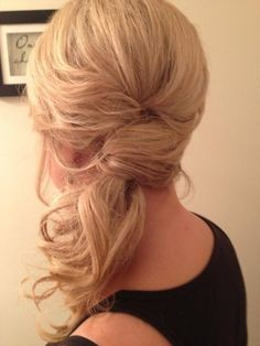 15 Hot Side-Ponytail Hairstyles: Romantic, Sleek, Sexy& Casual Looks for Long Hair - Wedding & Bridesmaid Hairstyles Side Ponytail Hairstyles, Side Ponytails, Loose Hairstyles, Wedding Hairstyles, Bridesmaid Hairstyles, Casual Hairstyles, Updo Side, Side Buns, Side Braids
