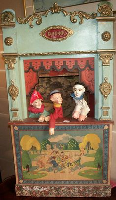 Poupee These Puppet theaters are beautiful. I would love one like this!