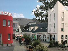 Familiengästehaus Rust, Multi Story Building, Mansions, House Styles, Home Decor, Decoration Home, Room Decor, Villas, Interior Design