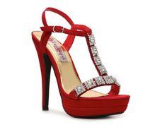 Love it! Bridesmaid shoe in silver :)Two Lips Chandelier Sandal