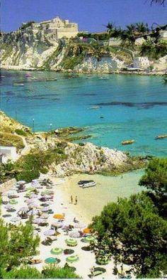 Illes Tremiti és un petit arxipèlag italià de la mar Adriàtica, dins la província de Foggia, regió de Pulla by maes maestri