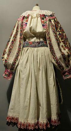 Folk Costume, Costumes, Romania, Kimono Top, Country, Tops, Dresses, Women, Fashion