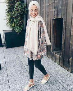 T adarkurdish hijab hijab fashion street hijab fashion. Modern Hijab Fashion, Street Hijab Fashion, Hijab Fashion Inspiration, Islamic Fashion, Muslim Fashion, Modest Fashion, Style Inspiration, Casual Hijab Outfit, Hijab Chic