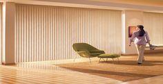 Estas persianas interiores de lamas verticales, son perfectas para tenerlas en la sala y cocina, ya que son muy elegantes, entra ya y velas.
