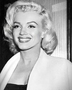 Marylin Monroe, Marilyn Monroe Fotos, Marilyn Monroe Makeup, Marilyn Monroe Style, Marilyn Monroe Pregnant, Marilyn Monroe Movies, Old Hollywood, Hollywood Glamour, Hollywood Actresses