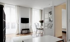 http://thefrenchexperienceaustralia.wordpress.com/2014/02/26/things-to-consider-when-searching-for-an-apartment-in-paris/