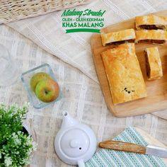 Malang Strudel apel, dengan nikmatnya apel asli Malang ini memang menggiurkan!