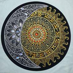 Pin by Sharon Pontier on Art Mandala Art, Mandala Rocks, Mandala Drawing, Mandala Painting, Dot Art Painting, Pottery Painting, Stone Painting, Vinyl Record Art, Vinyl Art