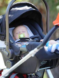 X17 - Apollo, filho de Gwen Stefani, em Los Angeles, nos Estados Unidos (Foto: X17online/ Agência)