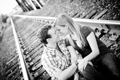 railroad couples photography | railroad couple shot | photography