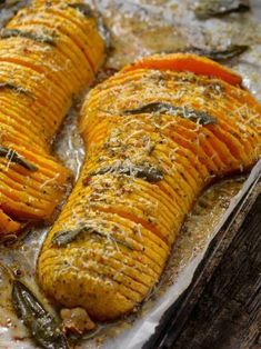 Hassel Butternut Squash mit brauner Butter  Cookin' Veggie Dishes, Vegetable Recipes, Food Dishes, Vegetarian Side Dishes, Healthy Vegetable Side Dishes, Veggie Recipes Sides, Vegetable Bake, Food Platters, Veggie Food