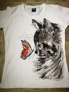 Handpainted Tshirt Cat and Butterfly. by palettePandora This design would look great on a shoe! T Shirt Painting, Fabric Painting, Fabric Art, Tshirt Painting Ideas, Painted Jeans, Painted Clothes, Hand Painted, Paint Shirts, Fabric Paint Shirt