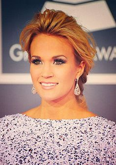 carrie underwood? Makeup perfection.