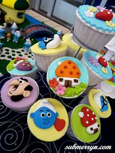 Smurfs cupcakes #food #yummy #smurfs Smurf Birthday Party Invitations I could do this myself.party kids boys girl