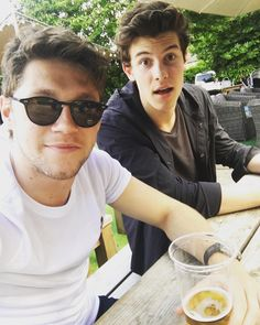 "320.2k Likes, 15.7k Comments - Niall Horan (@niallhoran) on Instagram: ""It's this fellas birthday ! Happy birthday @shawnmendes ."""