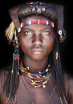 Amesia...Muhacaona (Mucawana) Tribe of south Angola.