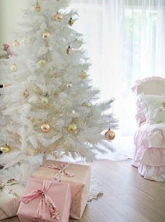 Árboles de Navidad retro en tonos blancos. #ArbolesDeNavidadBlancos