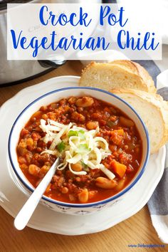Pot Vegetarian Chili (Slow Cooker) Try this Crock Pot Vegetarian Chili for a deliciously easy and healthy meal! Recipe from Try this Crock Pot Vegetarian Chili for a deliciously easy and healthy meal! Recipe from Pot Vegetarian Chili (Slow Cook Vegetarian Chili Crock Pot, Vegetarian Crockpot Recipes, Vegan Recipes Easy, Healthy Dinner Recipes, Beef Recipes, Healthy Chili, Fall Recipes, Tofu Chili Recipe Crock Pot, Corn Recipe