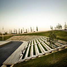 BATLLE I ROIG ARQUITECTES, Linear park on the Riera De Sant Climent. Viladecans