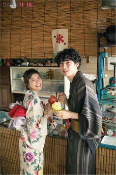 Japanese Outfits, Japanese Fashion, Asian Fashion, Japanese Couple, Japon Tokyo, Modern Kimono, Geisha Art, Yukata Kimono, Wedding Kimono