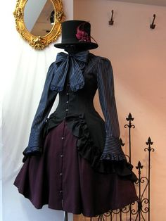 """Lolita clothing refers to clothing based on Gothic, sweet and retro styles. Lolita clothing is usually designed on the basis of """"dolly-like"""" lace, lace, lace Pretty Outfits, Pretty Dresses, Beautiful Outfits, Cool Outfits, Scene Outfits, Gothic Lolita Fashion, Steampunk Fashion, Victorian Fashion, Cute Fashion"""