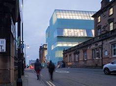 The Reid Building is in complementary contrast to Charles Rennie Mackintosh's 1909 Glasgow School of Art – forging a symbiotic relation in which each structure heightens the integral qualities of the other. A thin translucent materiality in considered contrast to the masonry of the Mackintosh bu
