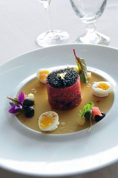 The Beef & Caviar by Philippe Jégo - Cap d'Antibes Beach Hotel***** Relais & Châteaux, French Riviera - France Gourmet Recipes, Cooking Recipes, Gourmet Foods, Gourmet Desserts, Plated Desserts, Chefs, Food Gallery, Star Food, Molecular Gastronomy