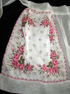 Sweet Vintage 50's White Sheer Organza Handkerchief Pocket Hostess Half Apron