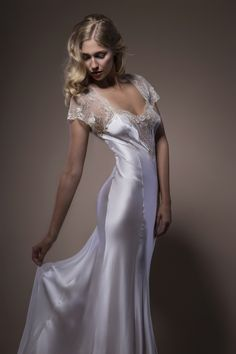 Find the wedding night gown option that is best for you. Browse our list of best wedding night gown ideas in 2019 today. Pyjama Satin, Satin Nightie, Silk Nightgown, Satin Sleepwear, Satin Lingerie, Satin Gown, White Lingerie, Bridal Lingerie, Vintage Lingerie