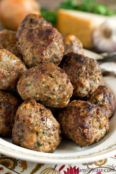 Italian Style Meatballs - A Family Feast Beef Dishes, Pasta Dishes, Food Dishes, Main Dishes, Pasta Sauces, Meatball Recipes, Meat Recipes, Pasta Recipes, Cooking Recipes
