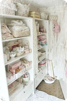 I love this...Interesting to note..This is a basic book shelf nothing fancy, ornate, or shabby chic--its the contents placed on the shelfs that presents this great design as a winning showcase!