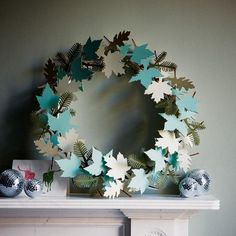 Decorating ideas for a classic blue and white Christmas. I think the whole thing is paper?