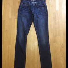 "Lucky Brand Charlie Skinny NWOT⚡️Lucky Brand Charlie Skinny. Super cute, Slim throughout. Inseam 33"" Will consider any reasonable offers. Lucky Brand Jeans Skinny"