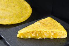 Truquitos para que la tortilla de patata os salga perfecta. [Comparte y guardarás la receta en tu muro]
