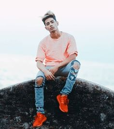 zehen # - New Hair Styles Photo Poses For Boy, Best Photo Poses, Boy Poses, Mtv, New Photo Style, Men's Style, Funny Photos, Cool Photos, Danish Men