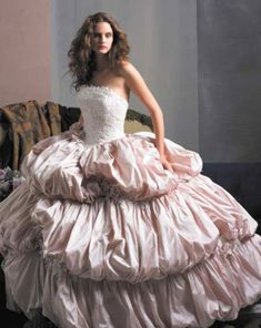 Google Image Result for http://www.weddingdressesinfo.com/collection/ball_gown_wedding_dresses/Ball_Gown_Wedding_Dresses58.jpg