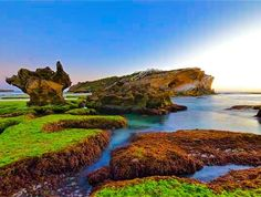 Great rock formations around Middle Island Warrnambool by greens_pics http://ift.tt/1LWgNOG