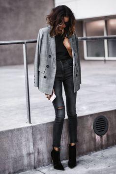 September 26, 2017 Fall Must-haves: The Boyfriend Blazer - Blazer: AQUA Top: LNA Jeans: rag & bone Shoes: Marc Fisher Bag: MCM