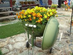 DIY-New use for weber BBQ  With everyone switching to gas grills , keep your old one around and add weed cloth ,dirt and your favorite flowers
